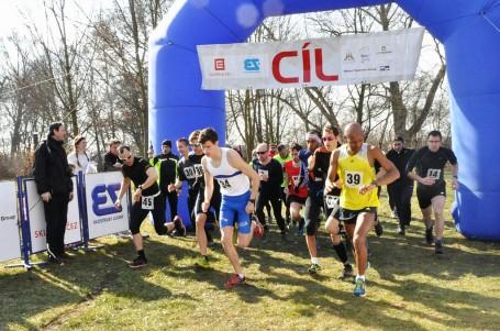 Padesátý ročník Jarního přespolního běhu v Lounech láká i na ceny ze zabijačky