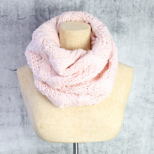 lisa-angel-knitted-snood-pink