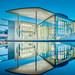 Haus spiegelt sich im Wasser by Feldman_1