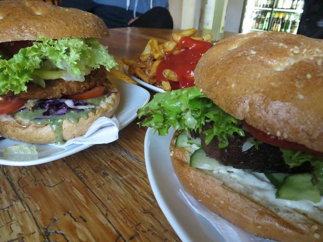 juicy veggie burgers