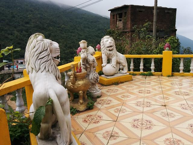 shrine @ Hải Vân Quan