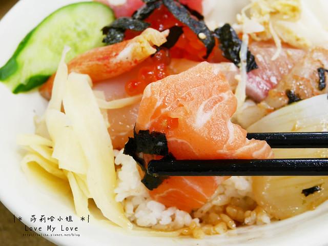 台北西門町美食餐廳推薦美觀園生魚片飯 (18)