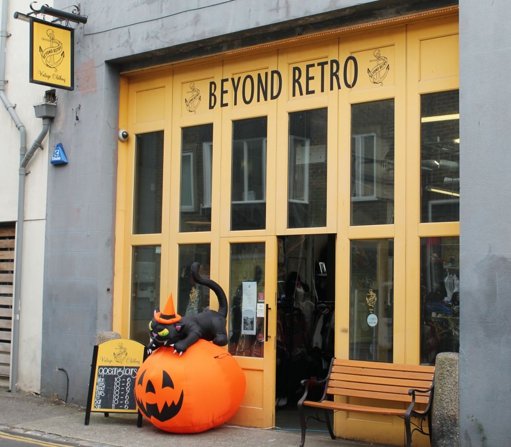 Beyond Retro, Brighton via www.lovebirdsvintage.co.uk