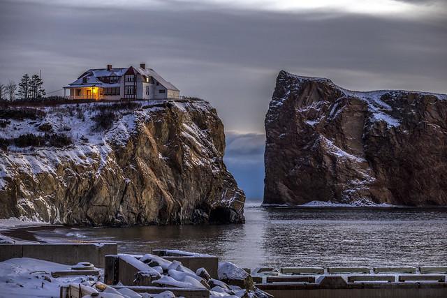 Canon 6D - House on the rocks