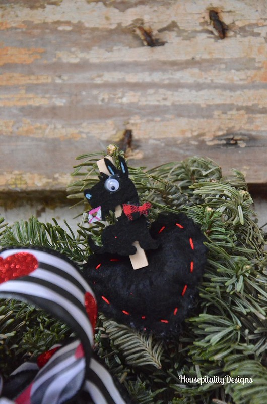 Valentine's Day Wreath 2016/Felted Hearts - Housepitality Designs