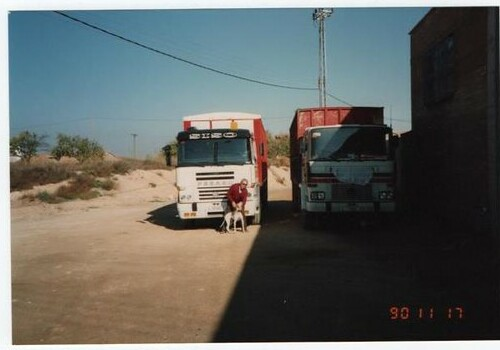 Dos camions Pegaso front