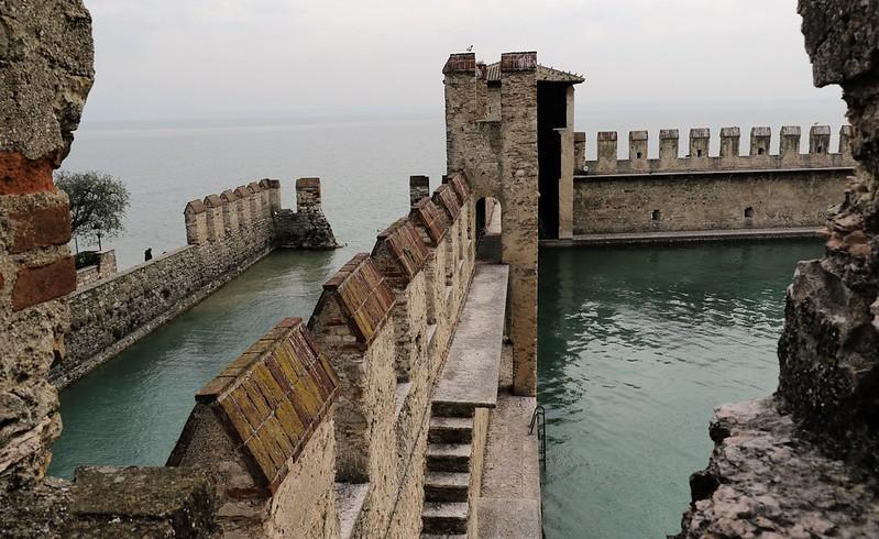 darsena del Castello Scaligero (Sirmione)