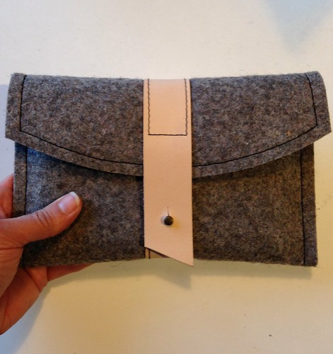 Gadget clutch from the book Beyond Cotton by Krista Fleckenstein.