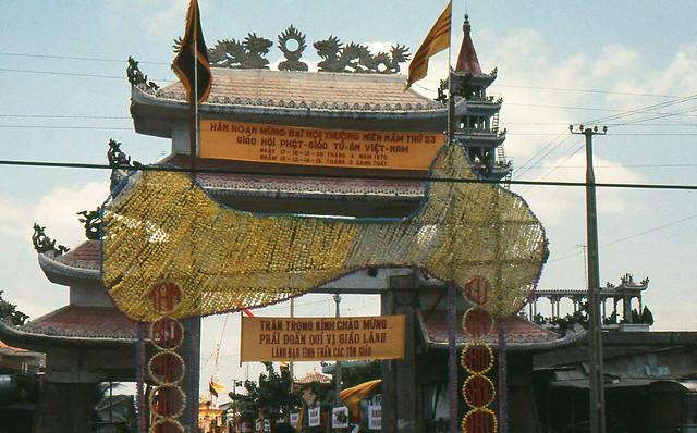 SAIGON 1970 - Pagoda in Phu Lam - Chùa Hòa Đồng Tôn Giáo của ông Đạo Dừa ở Phú Lâm