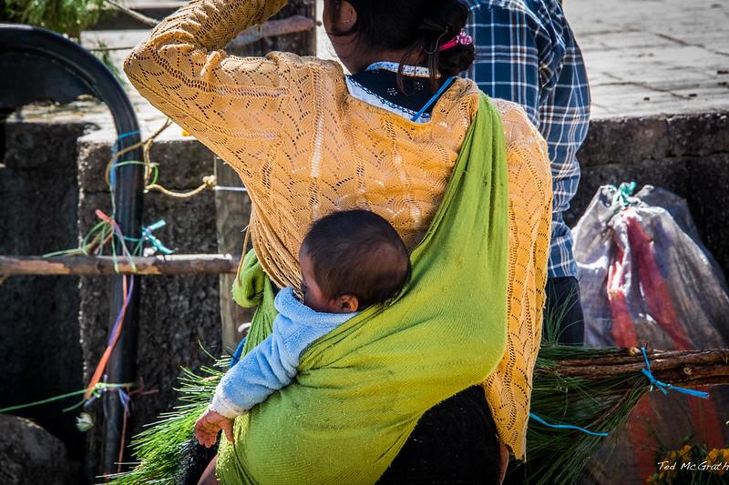 2015 - MEXICO - Zinacantán - No Baby Buggy for Me