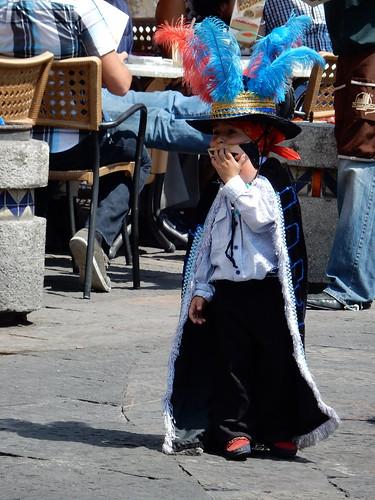 Puebla - jongetje van carnavalsgroep