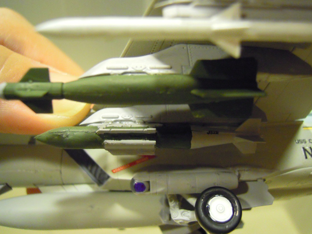 最內側的BLU-109,加裝GPS系統後就成了JDAM