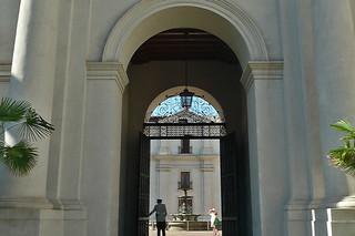 Santiago - Palacio La Moneda arches