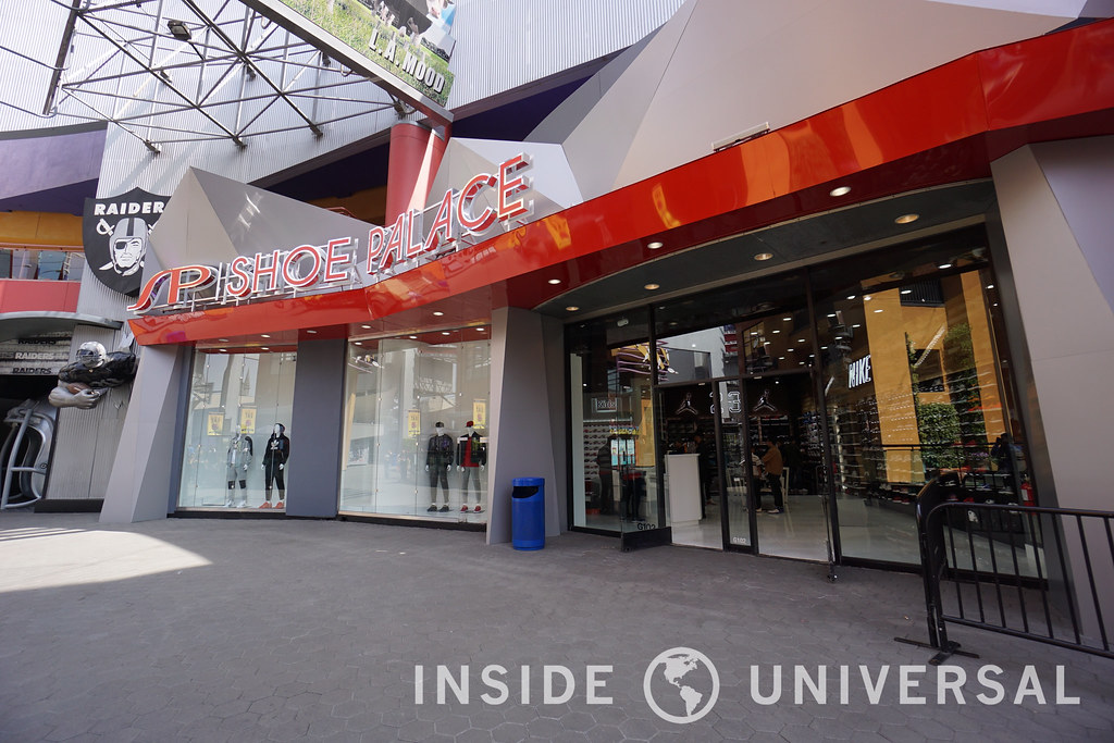 CityWalk's Shoe Palace is now open!