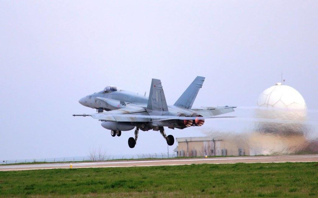 Aspect de la exercițiul bilateral româno-canadian se află în plină desfășurare la Baza militară de la Mihail Kogălnicean (2)