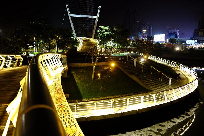 愛河之心|富士 Fujifilm X70 28mm f/2.8