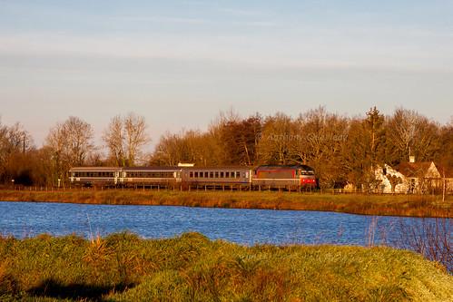 29 décembre 2012 BB 67435 Train 4492 Bordeaux -> Ussel Gours (33)