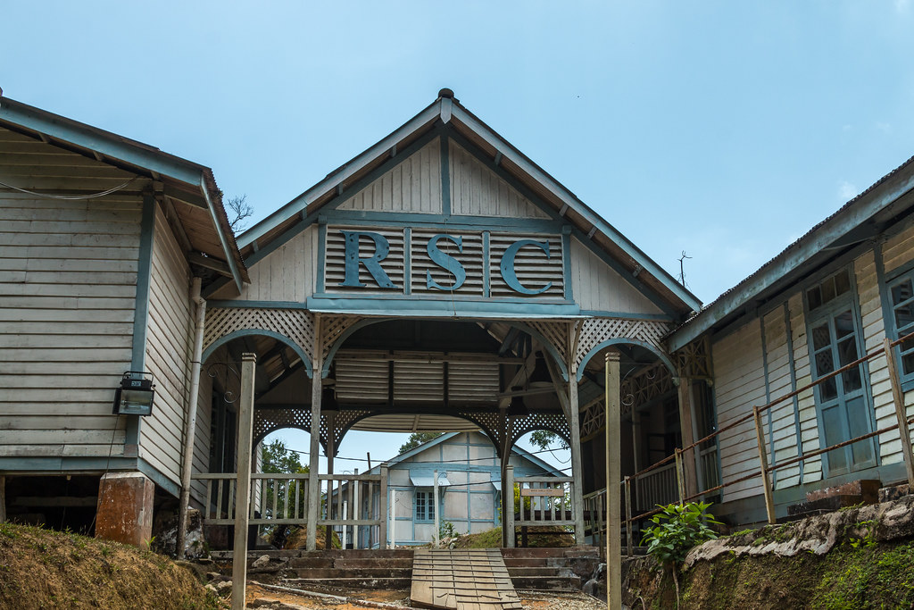 Abandoned International School of Penang / Crag Hotel