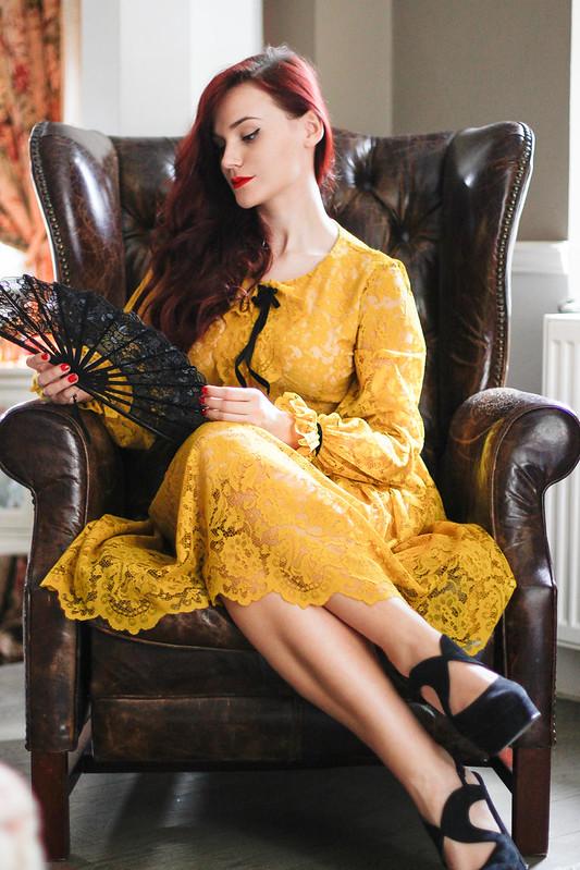 yellow lace2