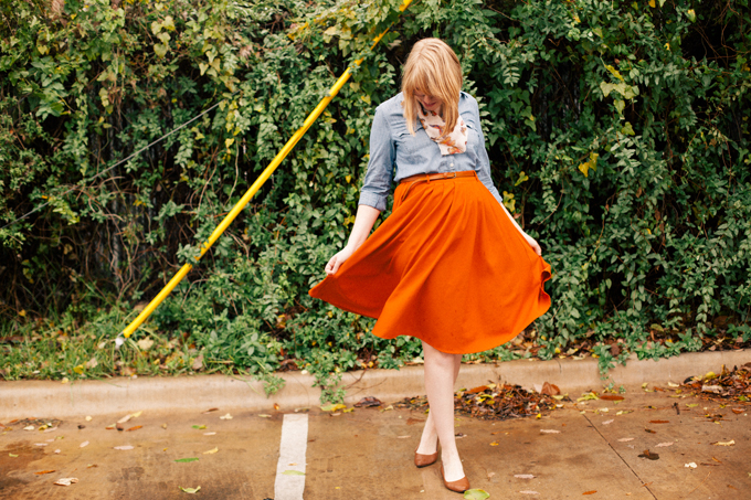 chambray shirt orange skirt1