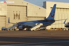 Boeing 737-8K5 - 37239 4253 - G-TAWK - Thomson - Luton, Bedfordshire - 151008 - Steven Gray - CIMG9152