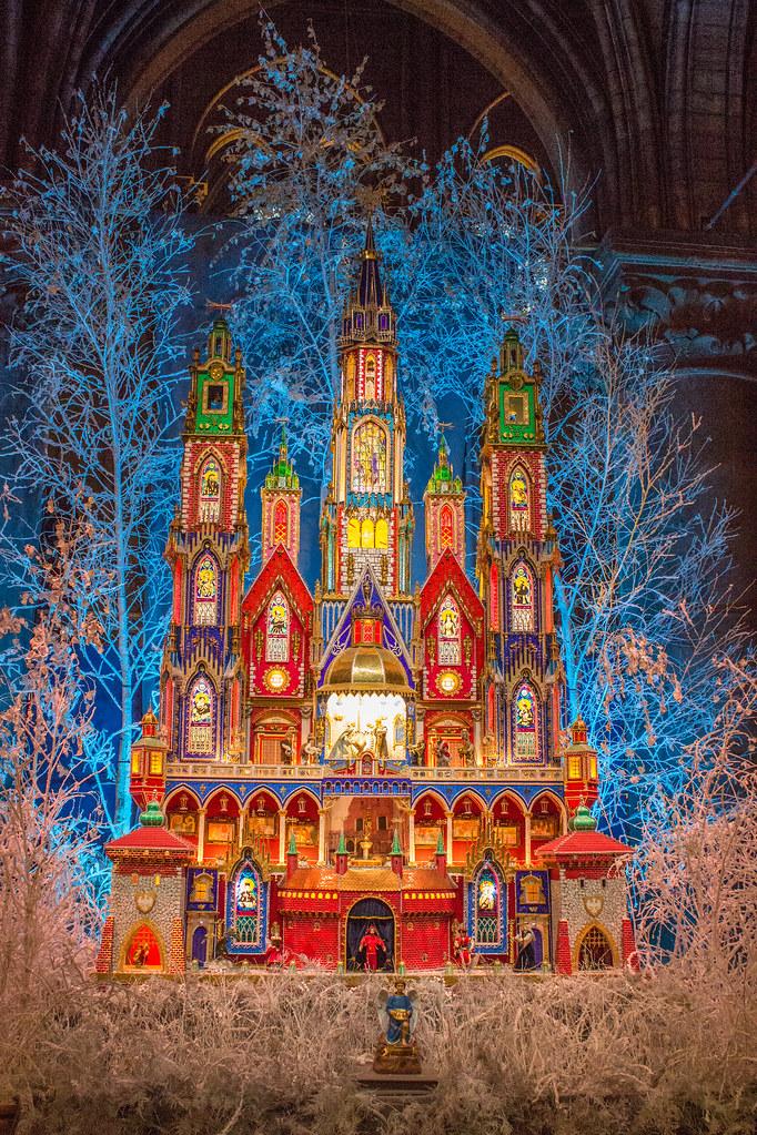 Polish nativity scene Notre Dame 2015