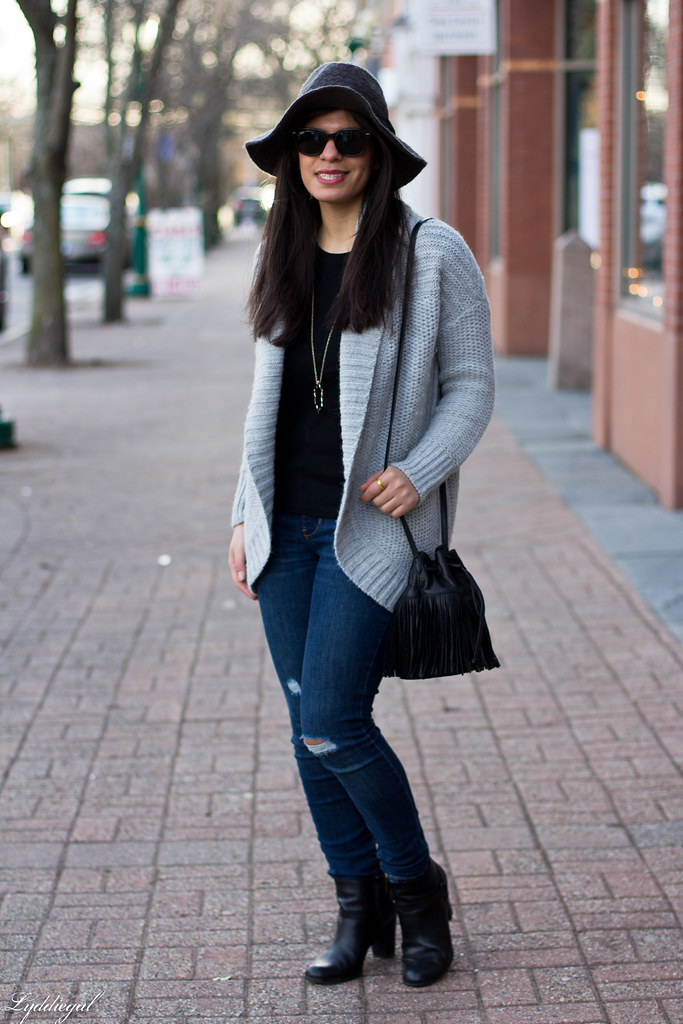 grey cardigan, black tee, grey hat, black booties-2.jpg