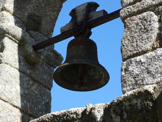 Campana de la iglesia de A Espenuca en Coirós