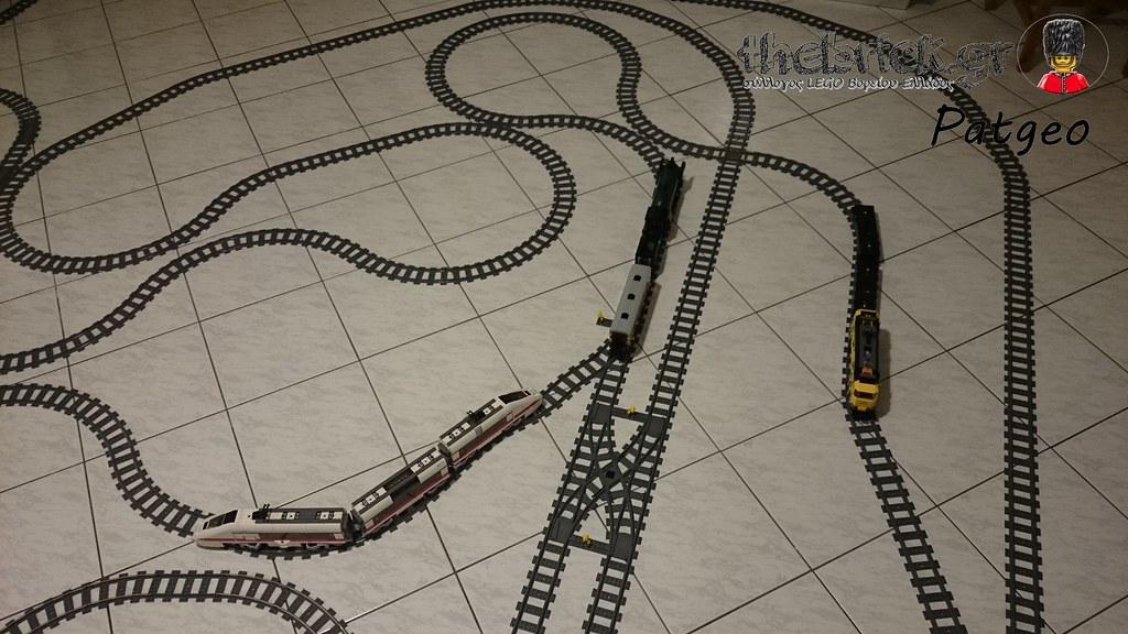 My LEGO Train Play Set 24902183924_ff46bcef77_b