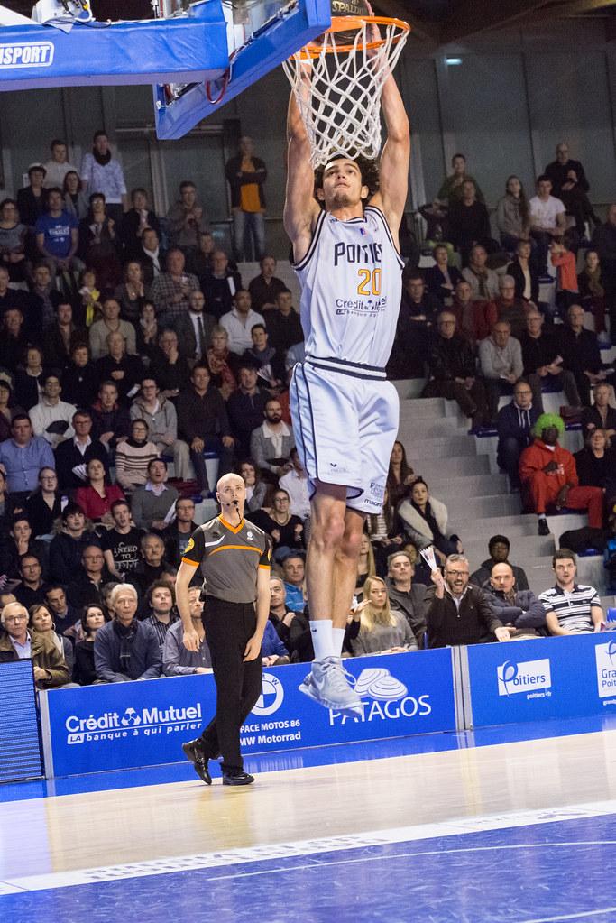 Romuald Morency au dunk