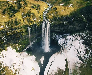 Got to take the drone up over the amazing Seljalandsfoss waterfall. The view below was amazing but seeing it from this angle was truly magical #mystopover + @icelandair