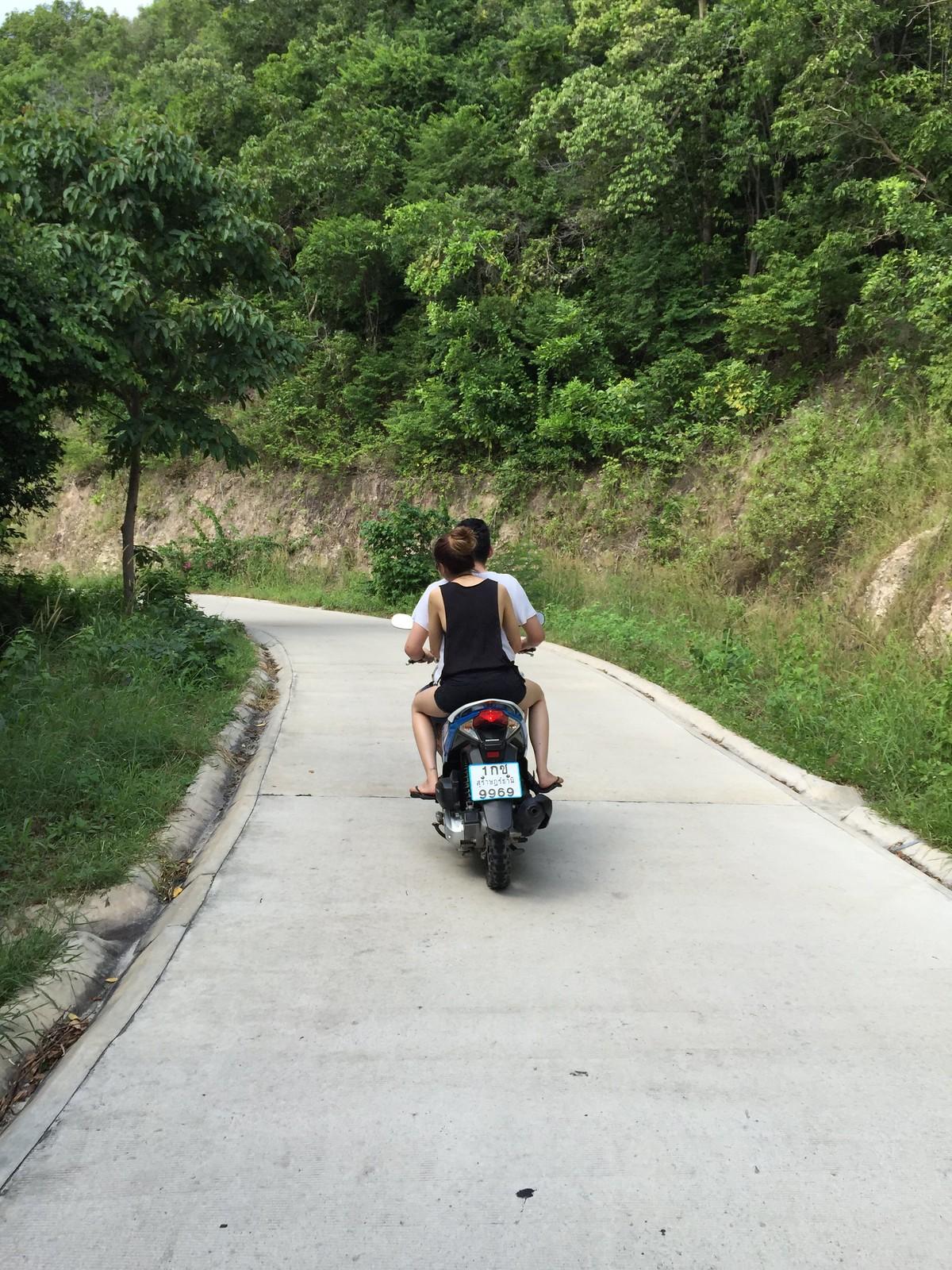 Biking in Koh Tao 2