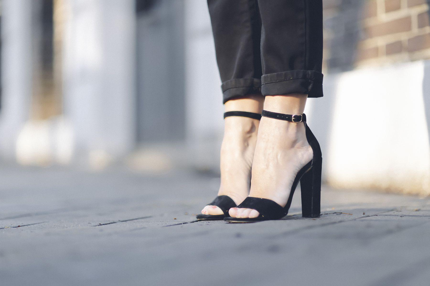 sandalias sandals mbym outfit look primavera spring camiseta zara steve madden Dior gafas de sol sunglasses street style trendy taste_8