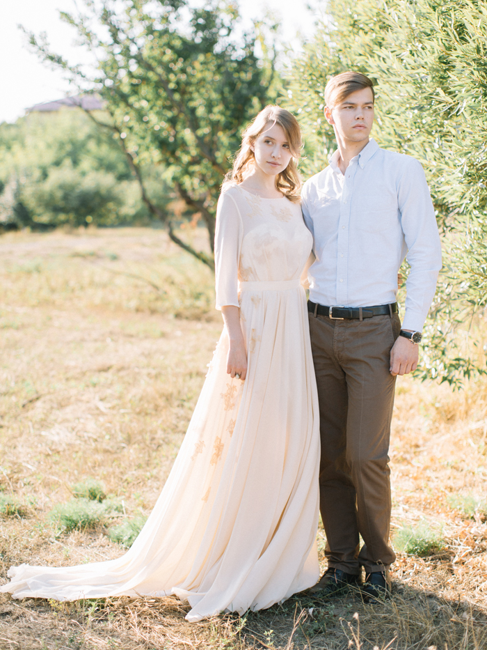 Bride and groom for ethereal wedding | Fab Mood Wedding blog