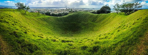 park city trees newzealand urban panorama storm nature grass weather mobile skyline clouds landscape outdoors volcano cityscape hole metro cone empty panoramic crater nz northisland eden dormant mounteden iphone scoria maungawhau mataaho mountedendomain iphone5s teipuamataaho