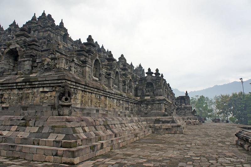 Borobudur, Yogyakarta - temple grounds