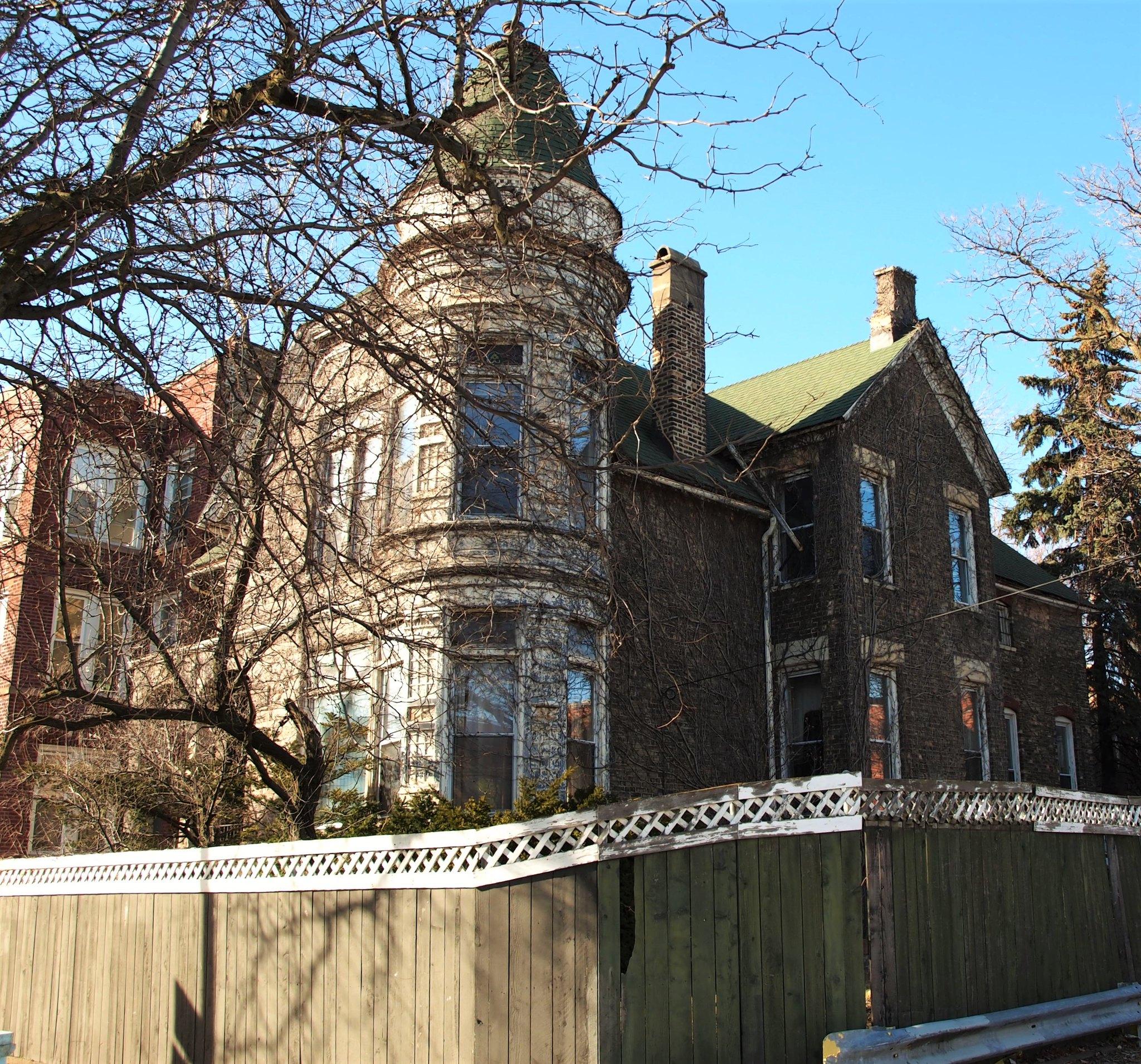 1418 W. Addison Street