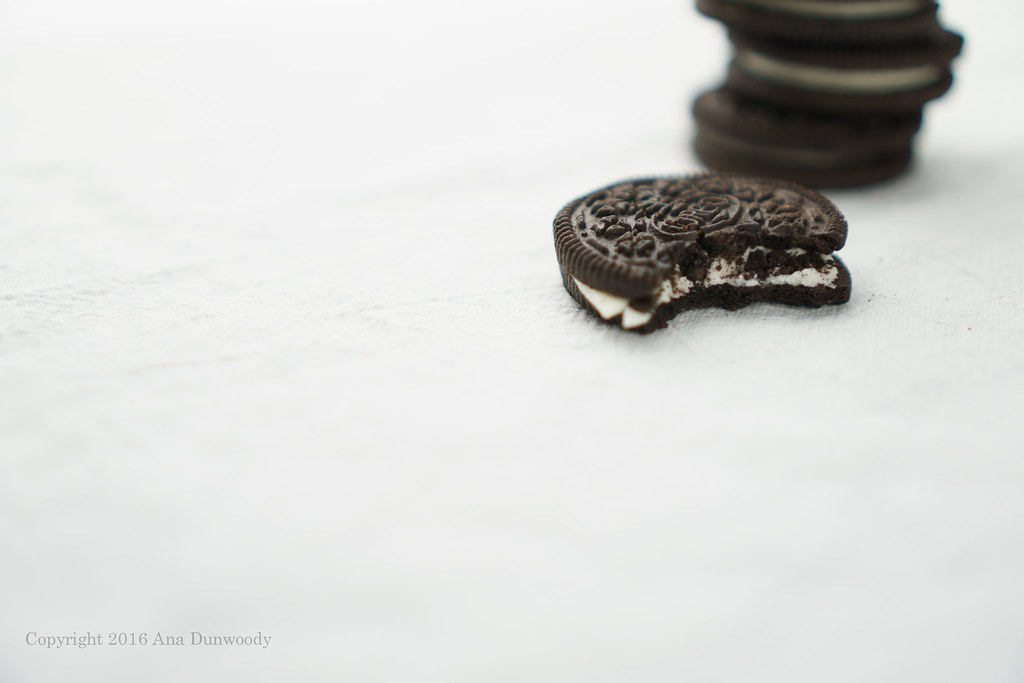 How to Eat an Oreo #1 - Just Plain