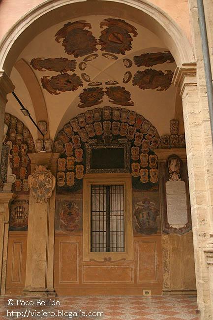 Palazzo del Archiginnasio. © Paco Bellido, 2007
