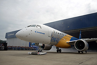 Embraer E190-E2 roll out (Embraer)