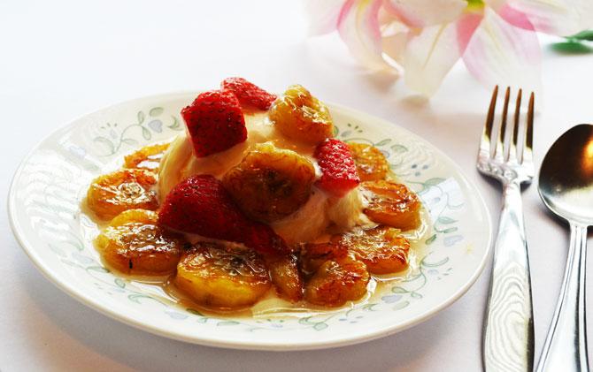 Fried bananas with Honey and Ice cream Recipe