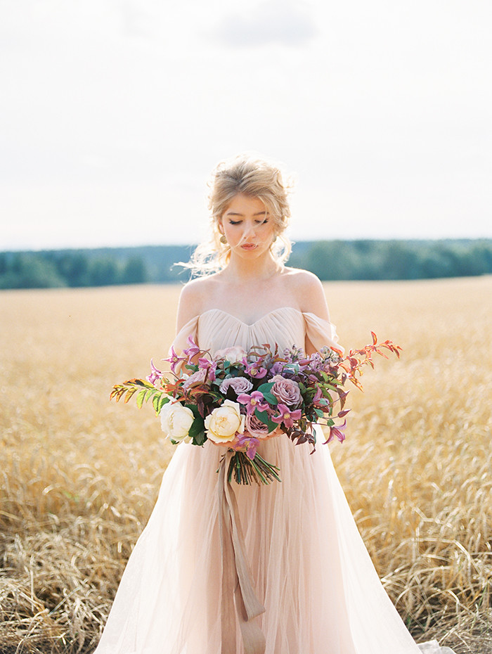 Off the shoulder Blush Wedding dress, bridal inspiration shoot | Photo by Igor Kovchegin | Fab Mood
