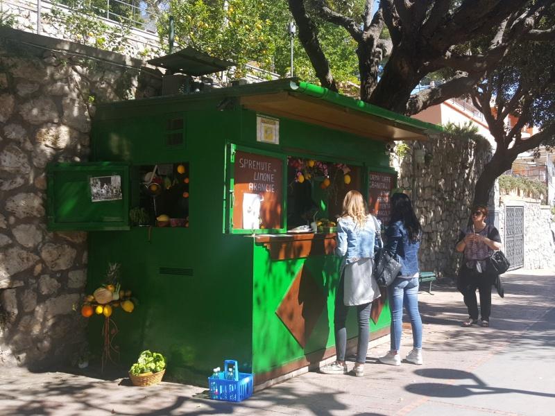 juice stand Capri