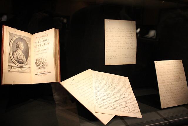 Voltaire, Éléments de la philosophie de Neuton (Newton)/Marquis de Sade, Lettres non signées - Les choix de Pierre Leroy, livres et manuscrits