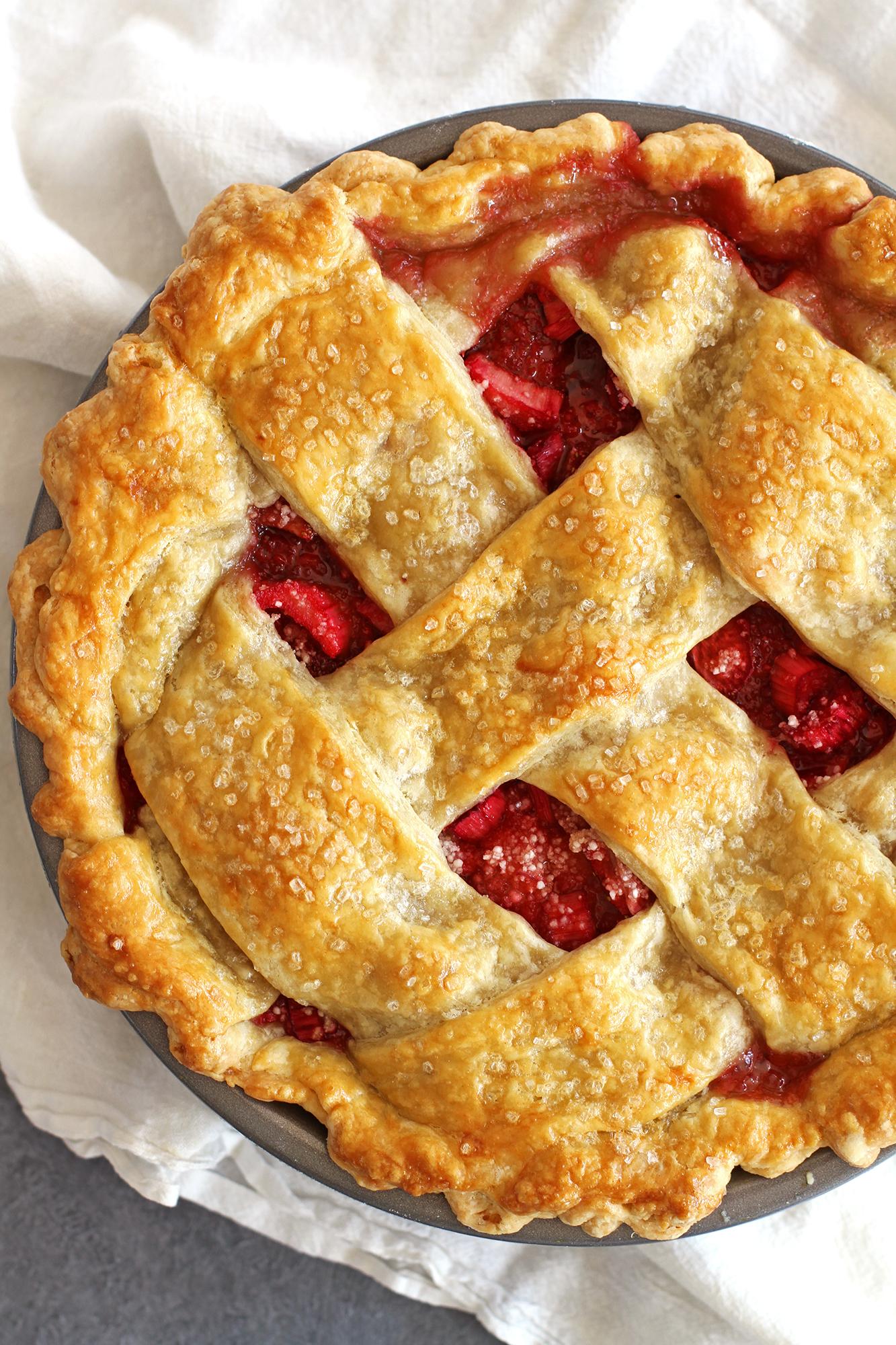 Strawberry Rhubarb Pie | girlversusdough.com @girlversusdough