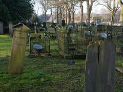 Begraafplaatsen / Cemeteries