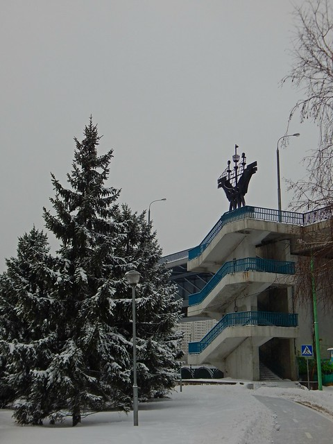 мост через Москву и ели | ХорошоГромко.ру