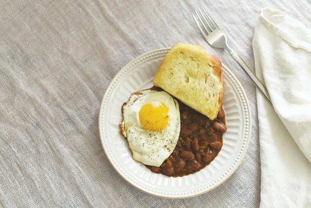 Hearty Breakfast: crockpot beans + fried egg