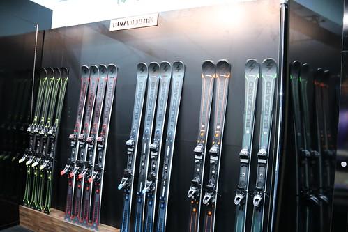 SIA Show skis