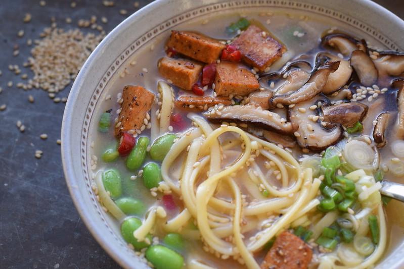 Misosoppa med pasta